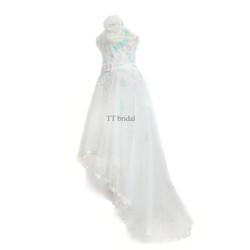 Áo cưới mullet trắng cúp ngực, vạt trước ngắn sau dài
