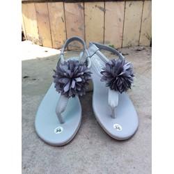 giày sandal xỏ ngón hot