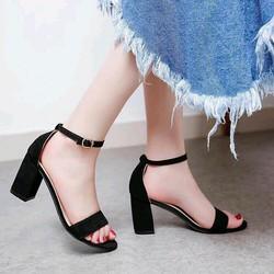 giày cao gót đế vuông quai ngang