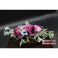 Cài tóc cô dâu hoa hồng tím kết hợp lá xanh