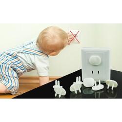 Set 10 Nút nhựa 2 chấu che chắn ổ cắm điện an toàn tay cho bé