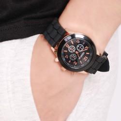 Đồng hồ nam siêu HOT