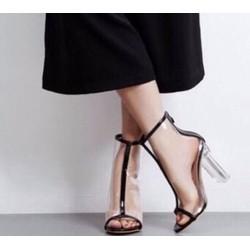 giày gót vuông trong cực hot