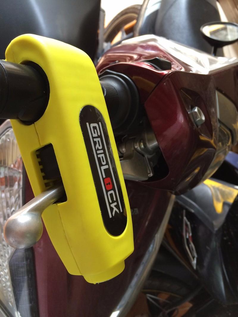 Khóa tay thắng xe máy Grip lock 2