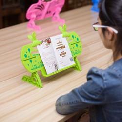 giá đỡ sách chống cận thị cho bé