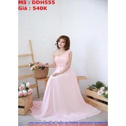 Đầm cô dâu lệch vai ren hoa nổi màu hồng dễ thương DDH555