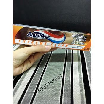 Kem đánh răng Aquafresh Whitening Action 158.7g