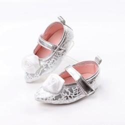 giày trắng tập đi