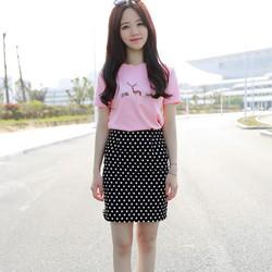 Bộ áo thun và chân váy trẻ trung cho bạn gái