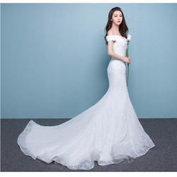 Áo cưới trễ vai, đuôi cá tôn dáng ren ẩn sang trọng