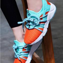 Giày thể thao nữ cá tính