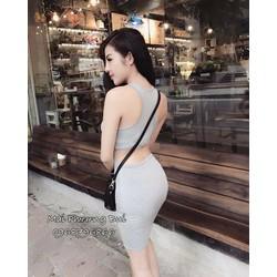 Đầm body khoét eo lưng