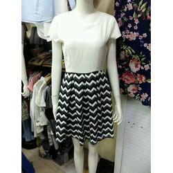 Đầm công sở dáng xòe chân váy họa tiết