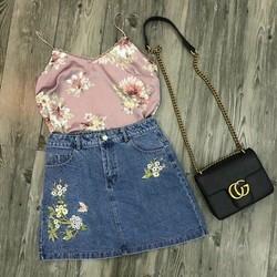 Chân váy jean thêu hoa