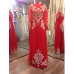Áo dài cưới màu đỏ chân ren cao, ren đồng sang trọng