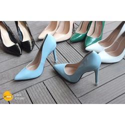 Giày cao gót Louboutin sành điệu