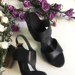 Giày cao gót quý phái