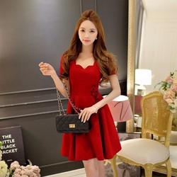 Đầm xòe cổ gợn sóng màu đỏ