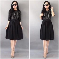 Đầm voan chấm bi phối chân váy xoè màu đen