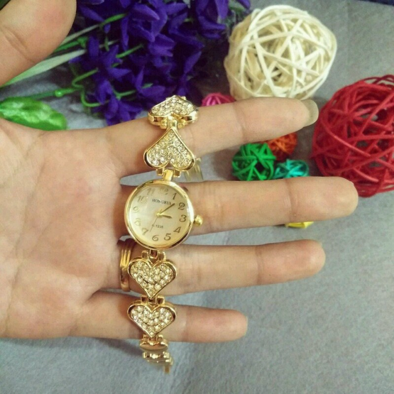Đồng hồ nữ thời trang lắc tim 3