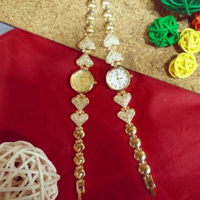 Đồng hồ nữ thời trang lắc tim 4