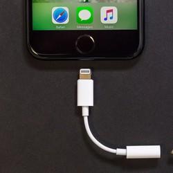 Cáp chuyển tai nghe - iPhone 7 7plus