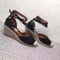 Giày nữ đế xuồng phong cách thời trang mới