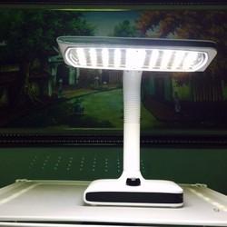 đèn bàn bảo vệ thị lực LED 663