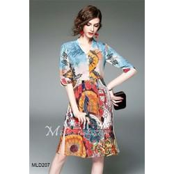 Đầm suông lụa họa tiết chim công