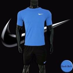 Bộ quần áo thể thao cổ tròn