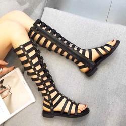 sandal chiến binh đinh tròn