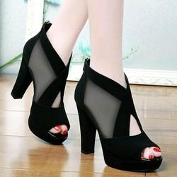 Giày cao gót lưói chéo