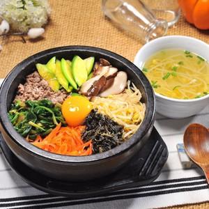 HCM- Thanh mát mùa hè với Gà hầm sâm Hàn Quốc bổ dưỡng tại ChiRiSan