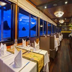 Hành trình cùng Du thuyền Syrena Cruise Hạ Long 4* cho 02 người