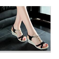Giày sandal đế xuồng đính hoa