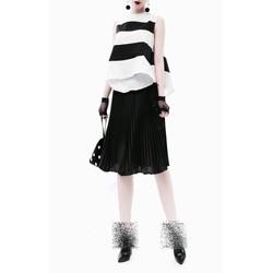 Set áo + chân váy sọc trắng đen