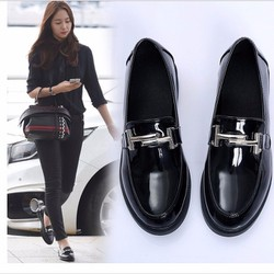 Giày loafer kim loại ngang chữ H