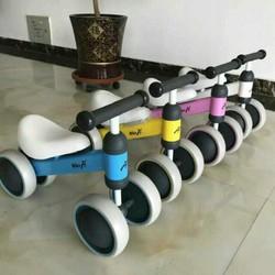 xe chòi chân cho bé mẫu mới dáng thể thao cho bé từ 1 tuổi