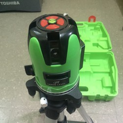 Máy cân bằng laser tia xanh sử dụng cả ngoài trởi