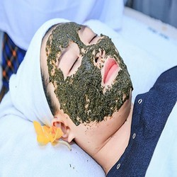 Điều trị mụn tận gốc trị thâm se khít lỗ chân lông tại Lý Beauty Spa