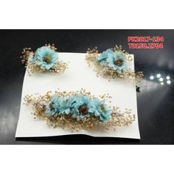 Bộ hoa cài tóc màu xanh dương, đẹp hài hòa