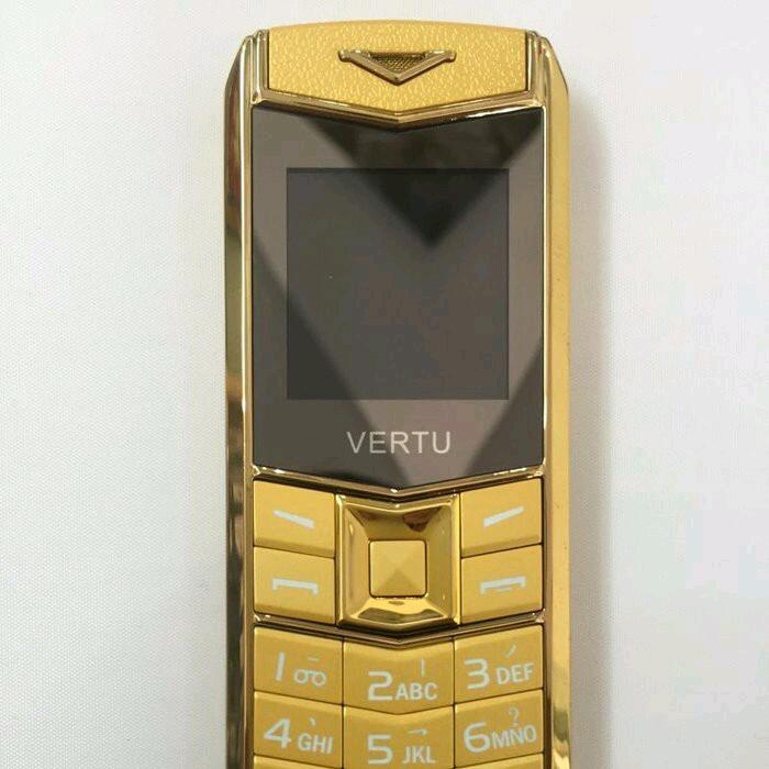 Điện thoại A8 tặng bao da và pin đẹp độc lạ và sang trọng 3