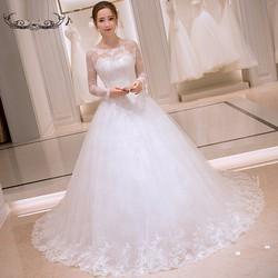 Váy cưới kín đáo, tay dài, dáng xinh như công chúa