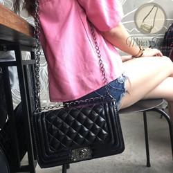 Túi đeo vai dây xích cao cấp màu đen C boy