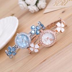 Đồng hồ thời trang nữ lắc tay