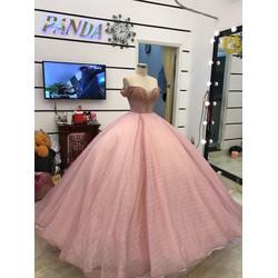 áo cưới tay ngang kết hạt trai sang trọng hồng ruốt nhẹ nhàng