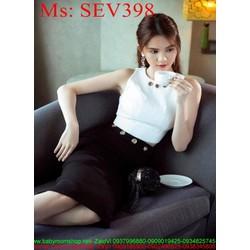 Sét áo kiểu sát nách và chân váy bút chí khoét ô sành điệu SEV398
