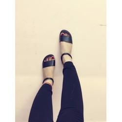 Sandal đơn giản đi biển