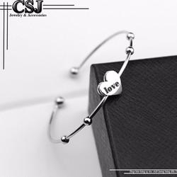 Vòng tay inox nữ thời trang trái tim chữ LOVE cách điệu bi