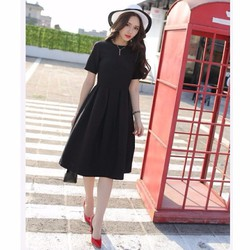 Đầm xòe xếp ly ngắn tay phong cách Hàn Quốc.